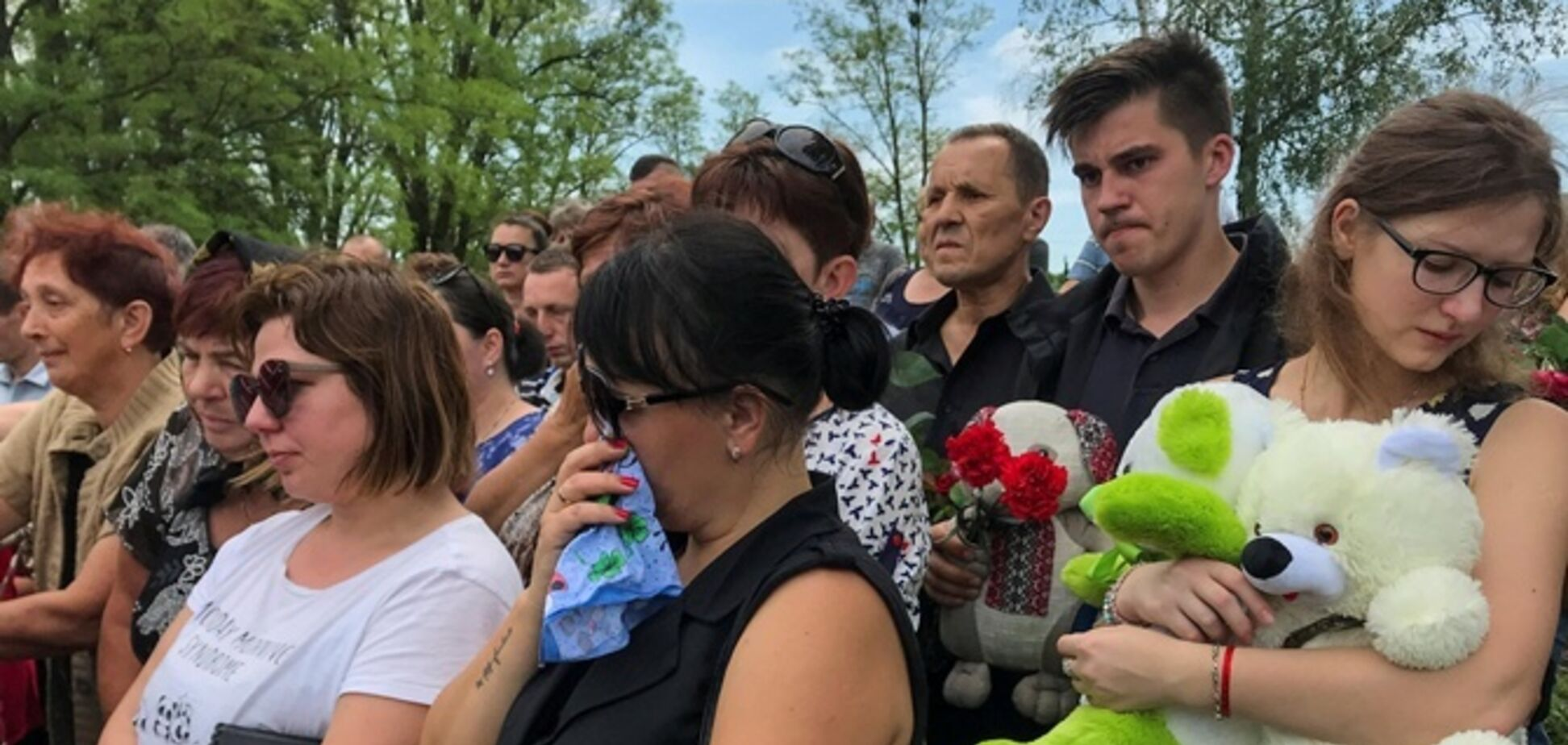 Під Києвом поховали вбитого поліцейськими дитини
