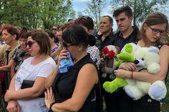 Под Киевом похоронили убитого полицейскими ребенка