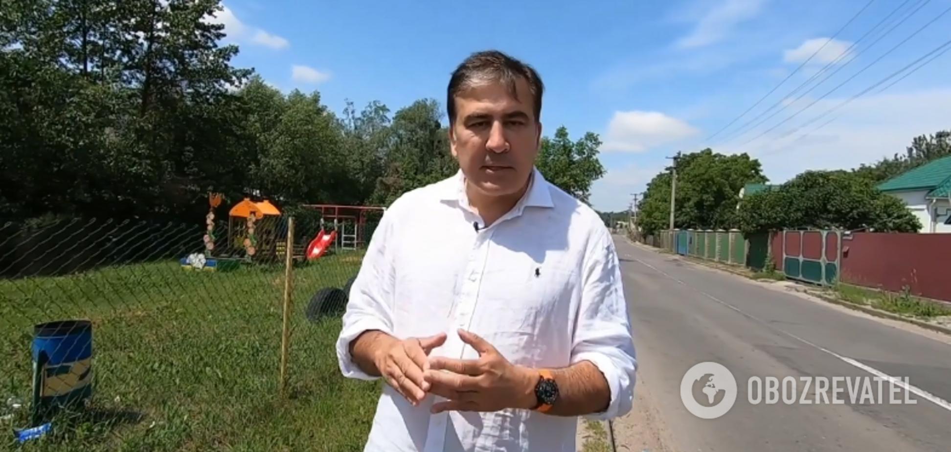 Кличко позвал Саакашвили в УДАР: президент Грузии растерялся и спросил совета на улице. Видео