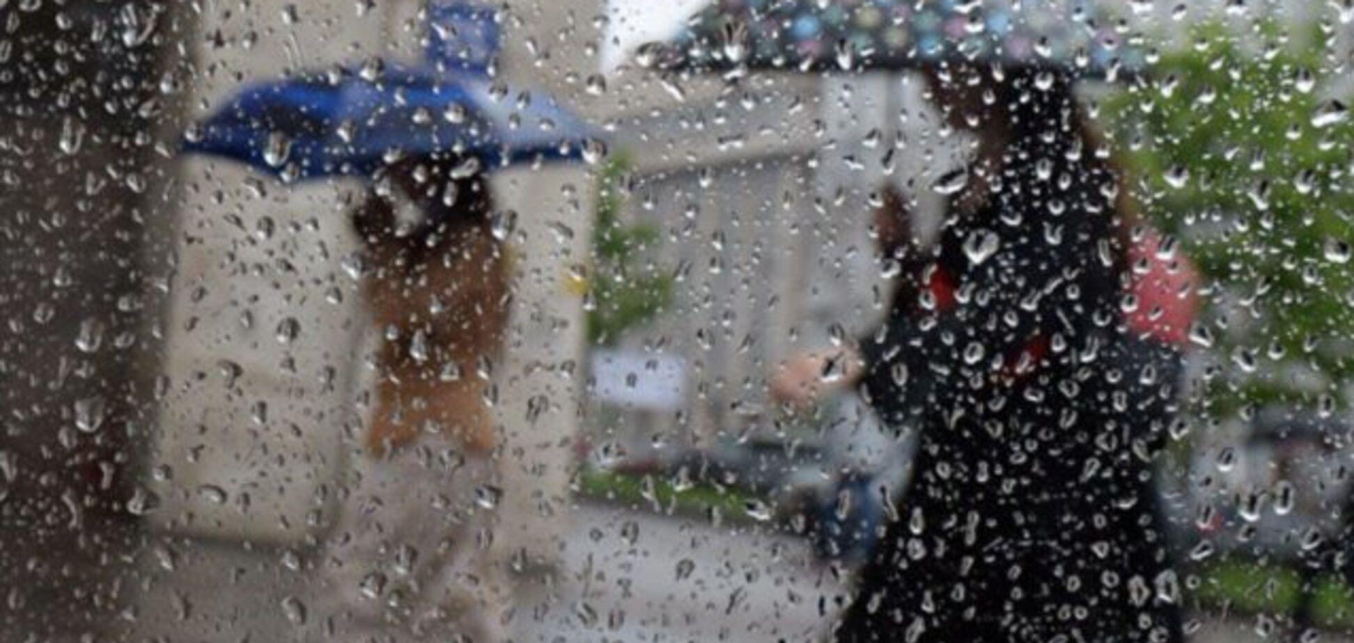 Дощі, грози і шквали: в Україні різко погіршиться погода
