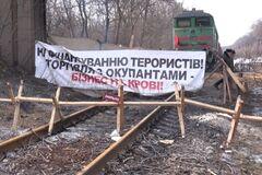 'А ну торгуй зі мною, с*ко!' Казанський підмітив кричущий нюанс зняття блокади з ОРДЛО