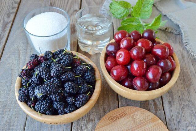 Шовковиця і вишня