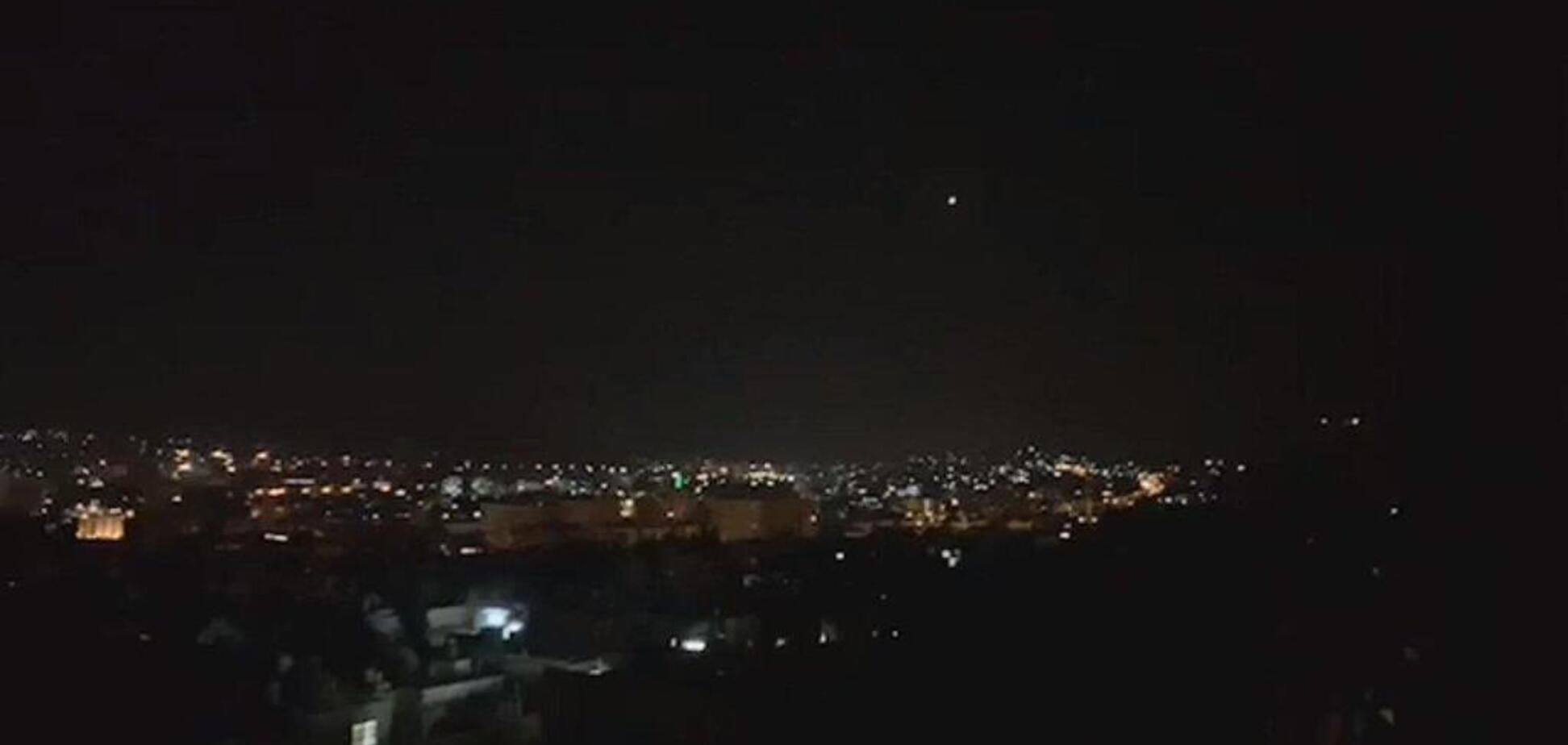 Ізраїль завдав потужних авіаударів по Сирії: 16 жертв, понад 20 постраждалих