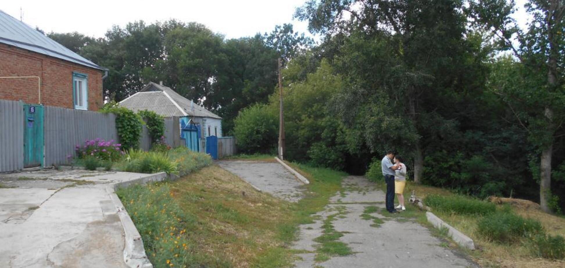 Завязал глаза и резал: на Харьковщине извращенец сутки насиловал девушку. Фото