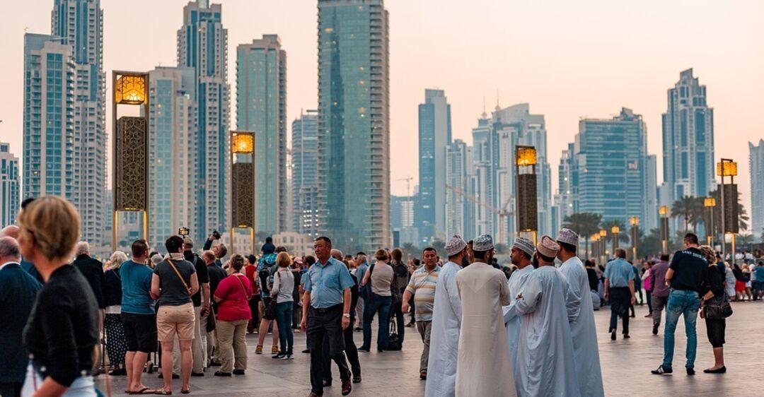 Дубай решил продавать алкоголь туристам: названы главные условия