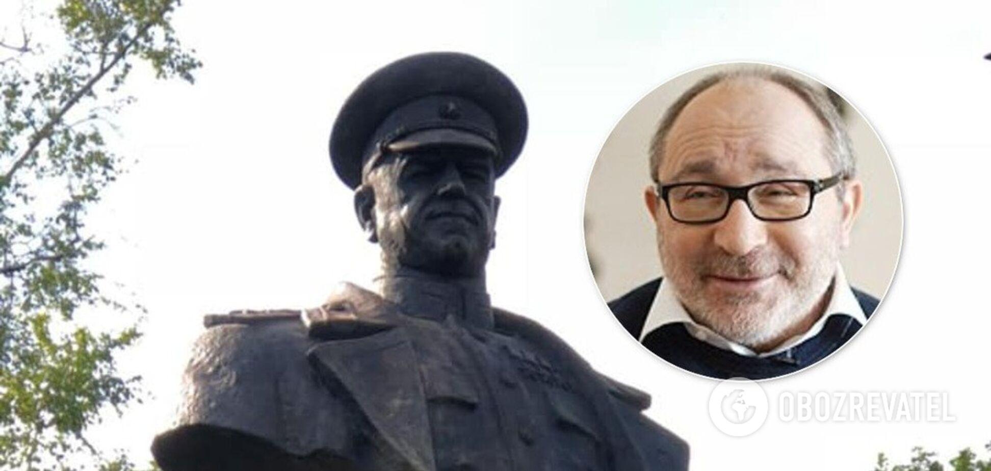 Кернес повернув на місце пам'ятник Жукову в Харкові. Фото