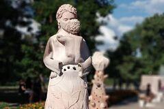 Під Дніпром вандали розгромили відому скульптуру. Фото