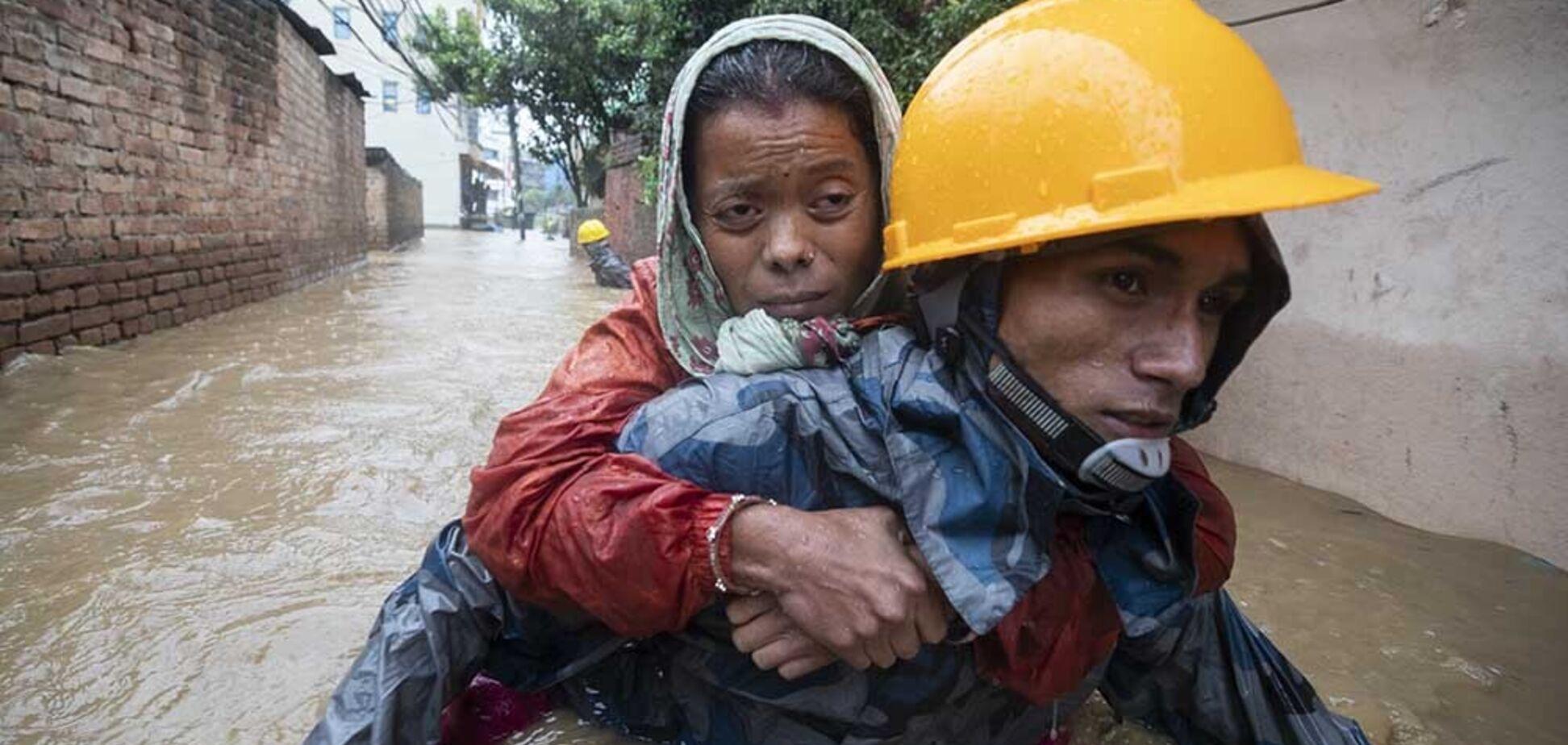 В Непале и Индии из-за дождей погибли десятки человек