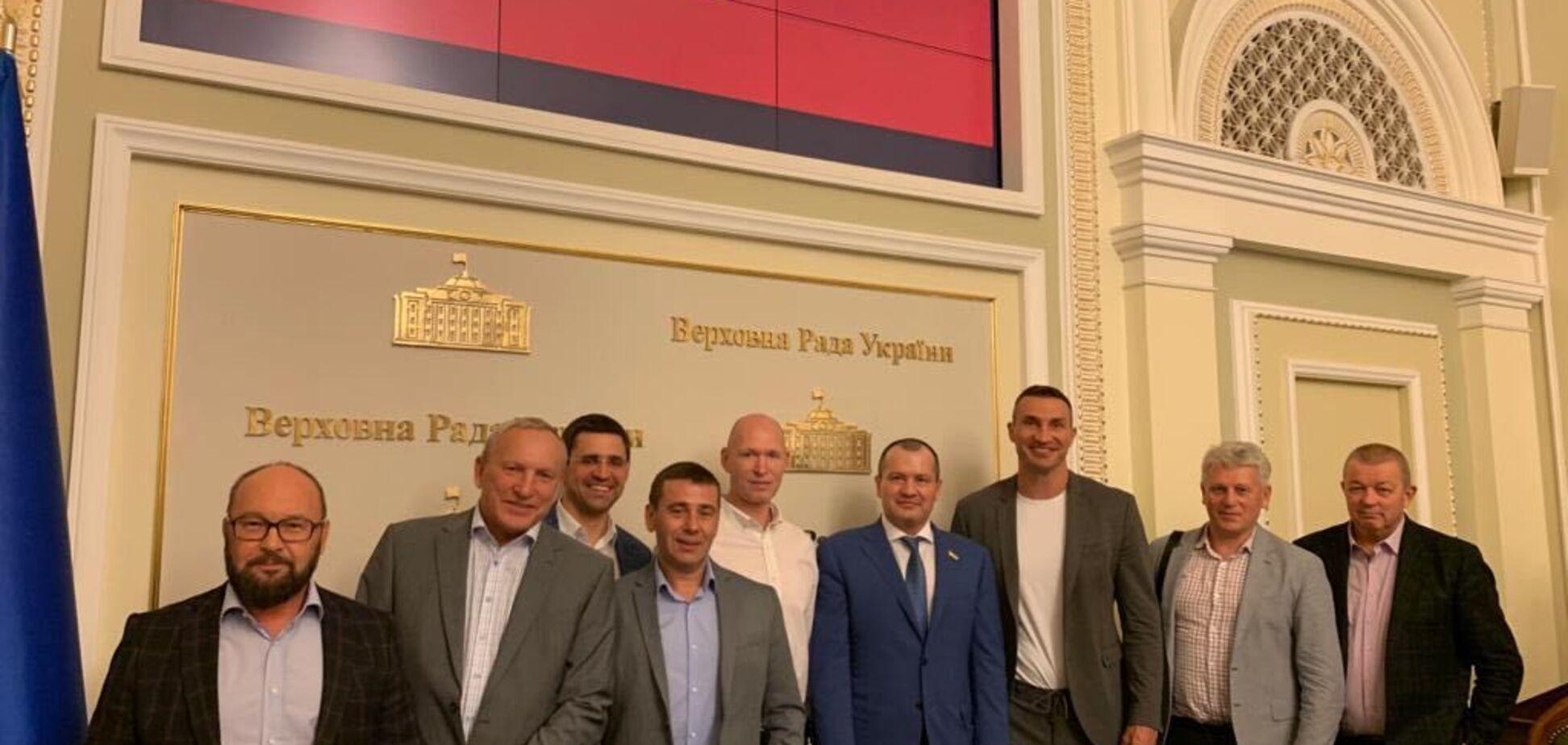 Володимир Кличко і Артур Палатний розповіли, як діджиталізація допоможе зробити спорт популярним і доступним в Україні