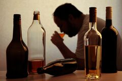 В отношении излечения от алкоголизма – большой пессимизм