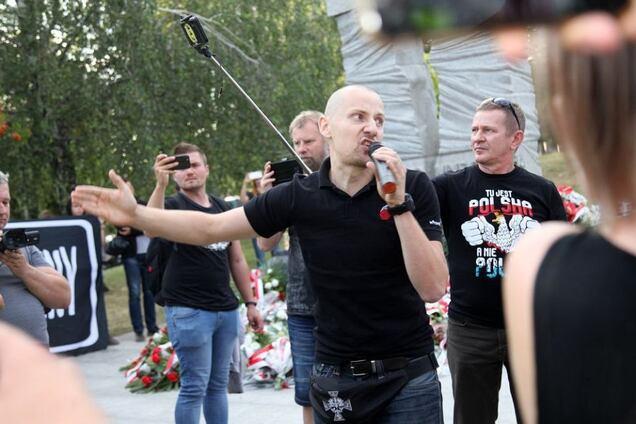 'Кровавое воскресенье!' В Польше прошел марш националистов против Украины. Фото
