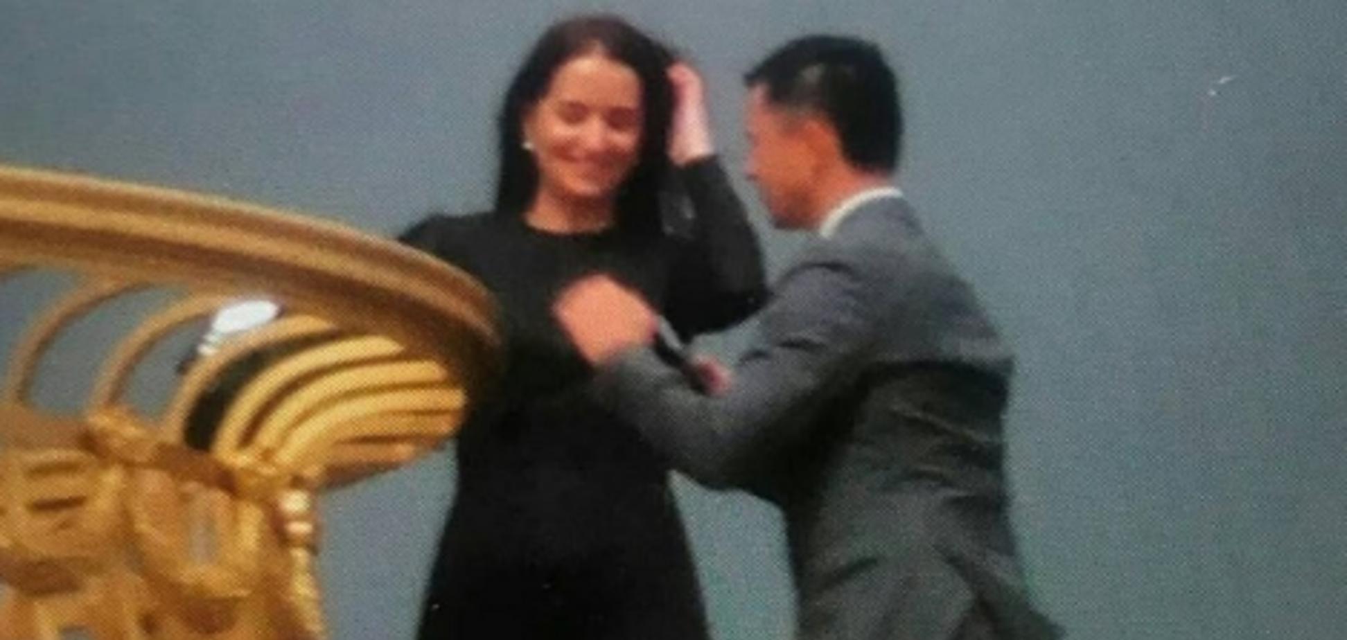 'Зеленский на крыше Рады': выяснилась правда о взорвавшем сеть фото
