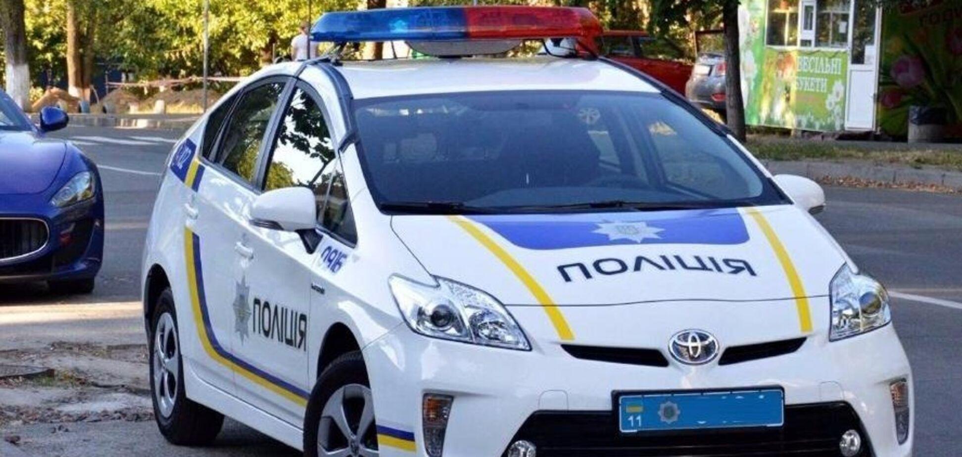 Один отвлекал, второй воровал: на Киевщине нагло угнали авто у патрульных