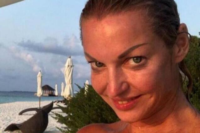 """""""Не просыхала"""": журналисты рассказали о тяжелом алкоголизме Волочковой"""