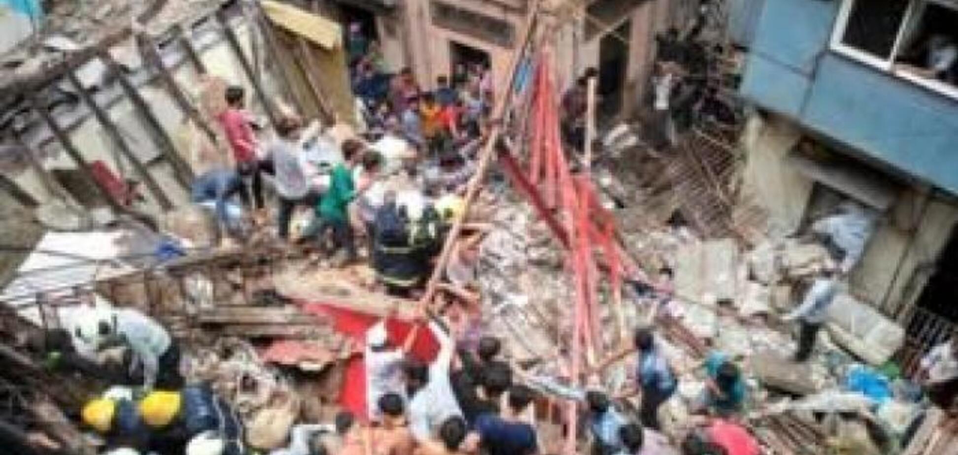 В Індії обвалився 4-поверховий будинок: заживо поховані півсотні мешканців. Перші фото і відео трагедії