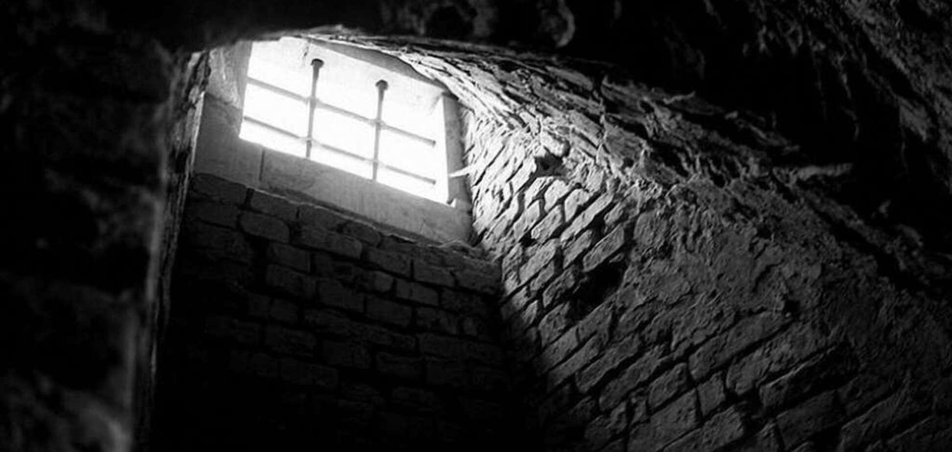 Пытки в тайной тюрьме в Мариуполе: в СБУ ответили на громкое обвинение