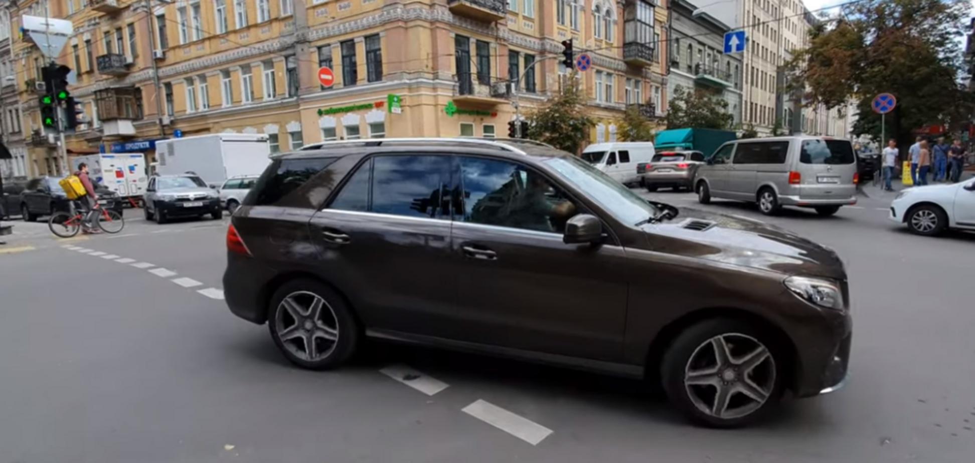 'Просто олень': герой парковки в Киеве разозлил сеть