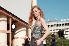 Популярная актриса из РФ разделась для глянца: горячее фото