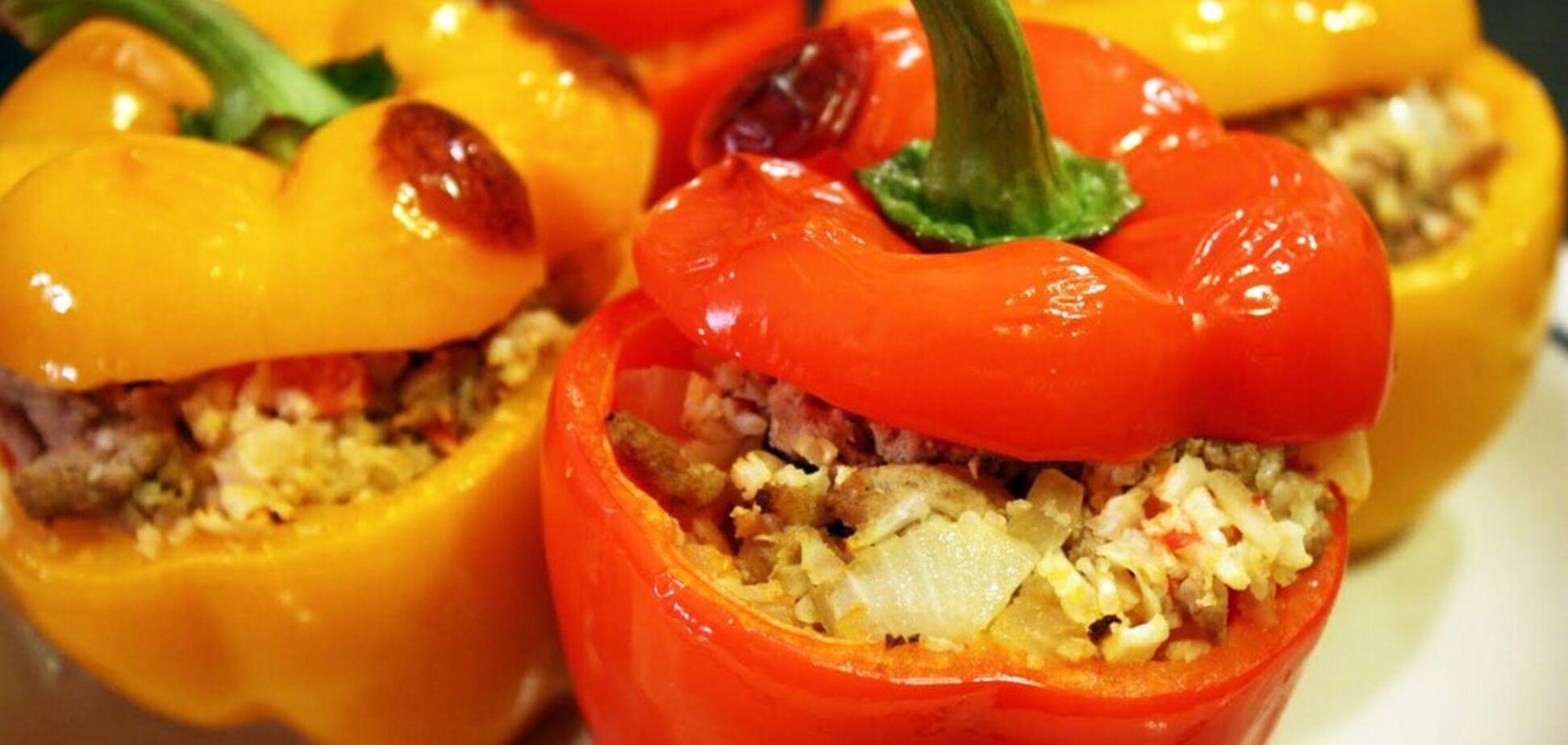 Эти вкусные фаршированные перцы: три лучших рецепта сезонного блюда