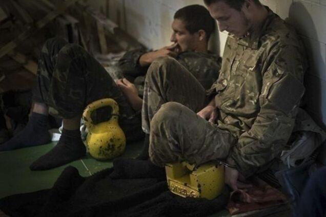 Украинские военнослужащие в плену у террористов, иллюстрация