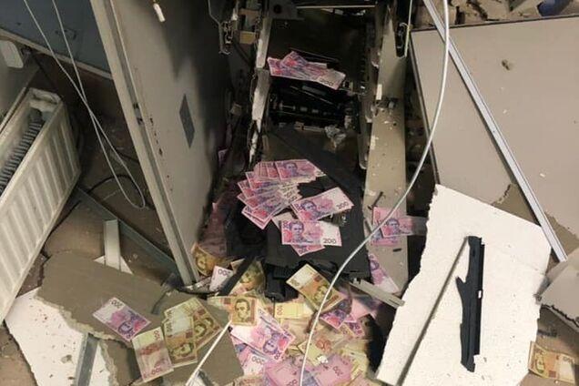 Банкомат ограблен при помощи взрывчатки