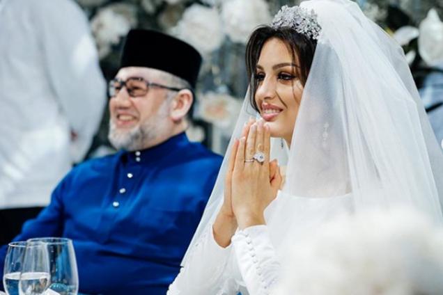 """""""Мисс Москва"""" отреагировала на слухи о разводе с экс-королем Малайзии"""