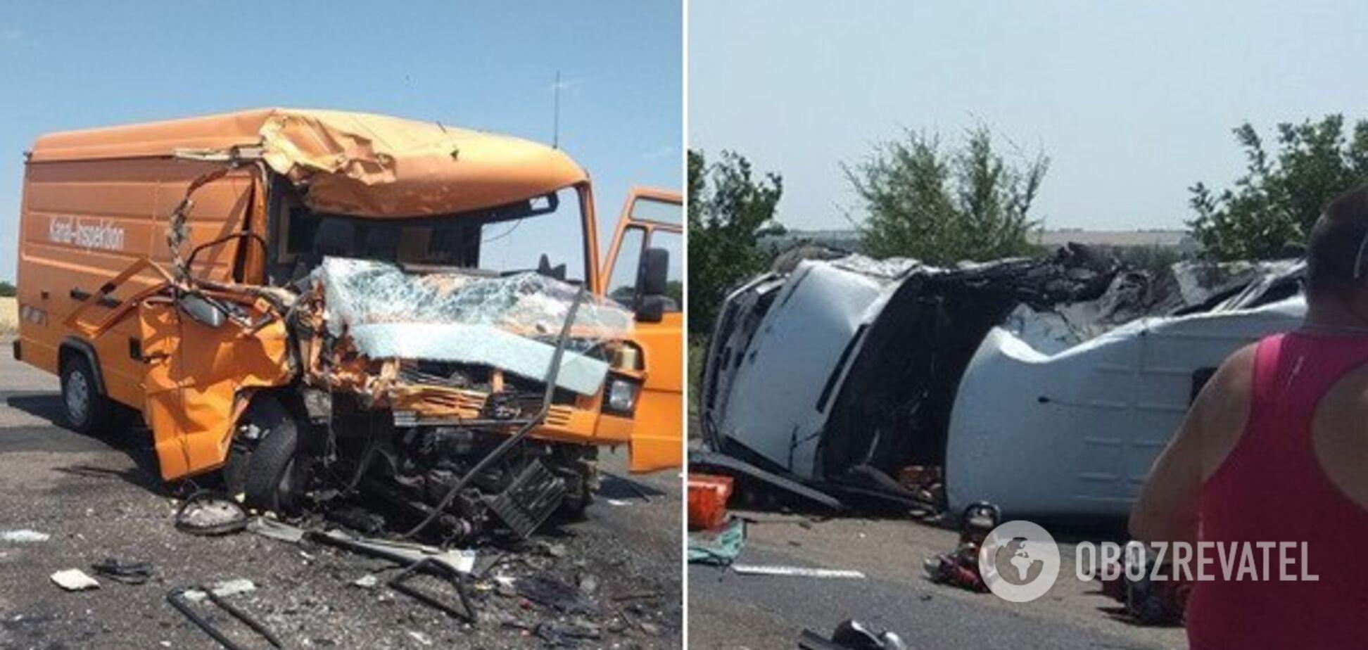 На Миколаївщині зіткнулися два автобуси: багато постраждалих та загибла. Фото
