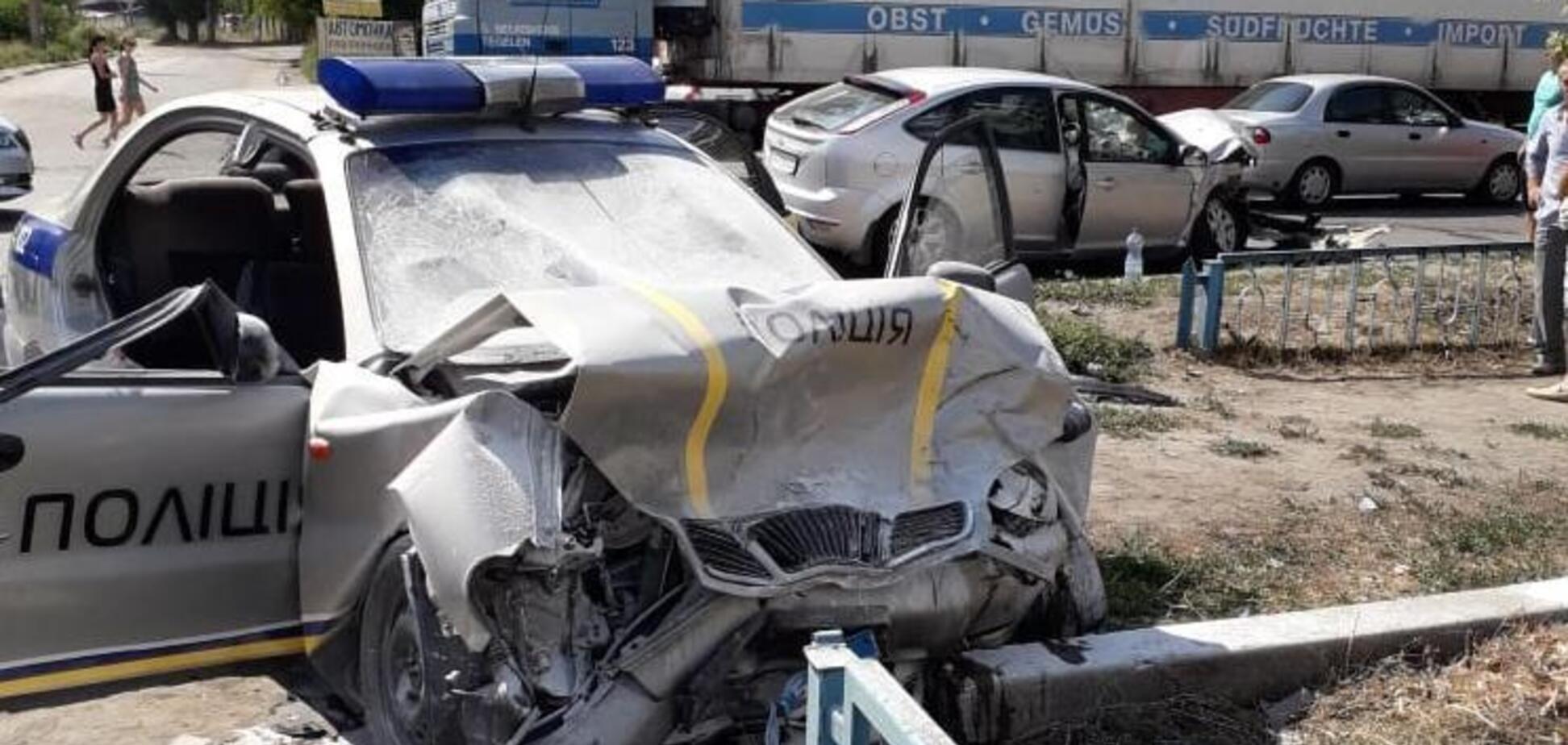 На Харьковщине произошло страшное ДТП с полицейскими: опубликованы фото