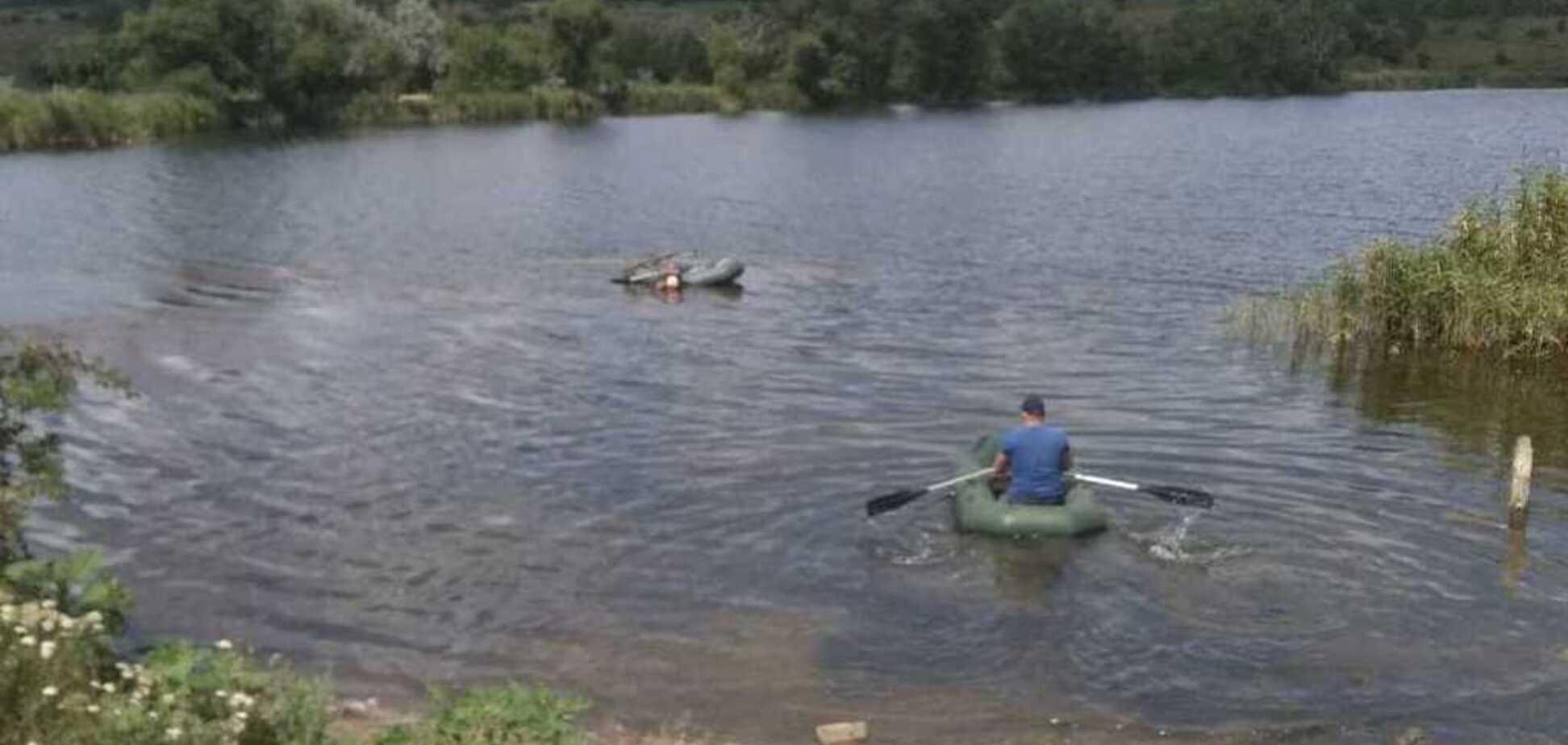 Під Кривим Рогом рятувальники виловили човен з трупом чоловіка всередині
