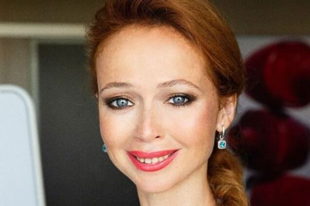 """43-летняя звезда """"Кадетства"""" взбудоражила сеть голым фото"""