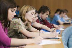 Обучение в вузах Украины резко подорожает: сколько будут платить студенты