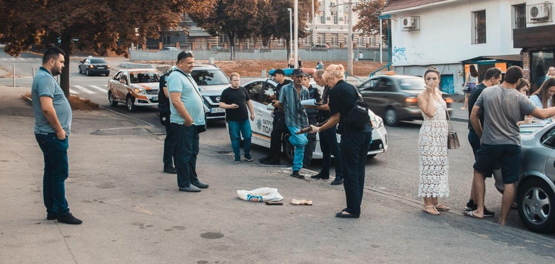 Житель Днепра нашел автомат Калашникова на стройке в центре