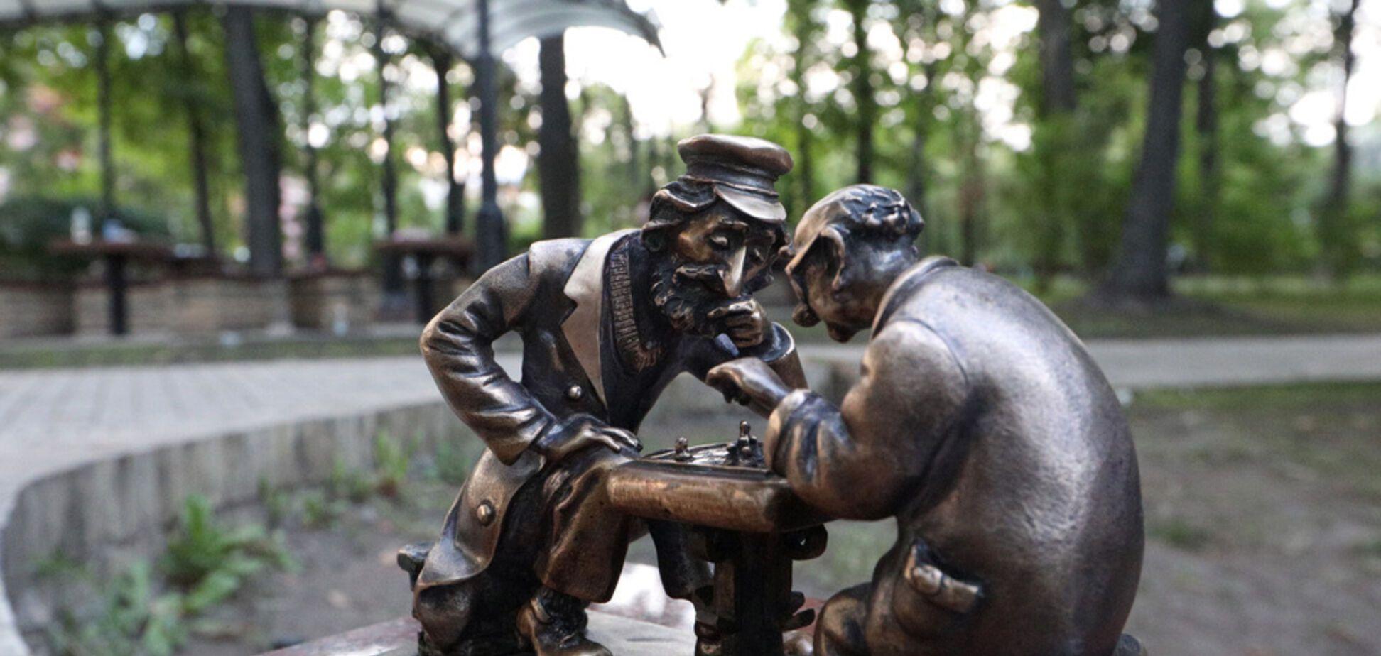В Киеве появилась новая скульптурка 'Шукай': где ее увидеть