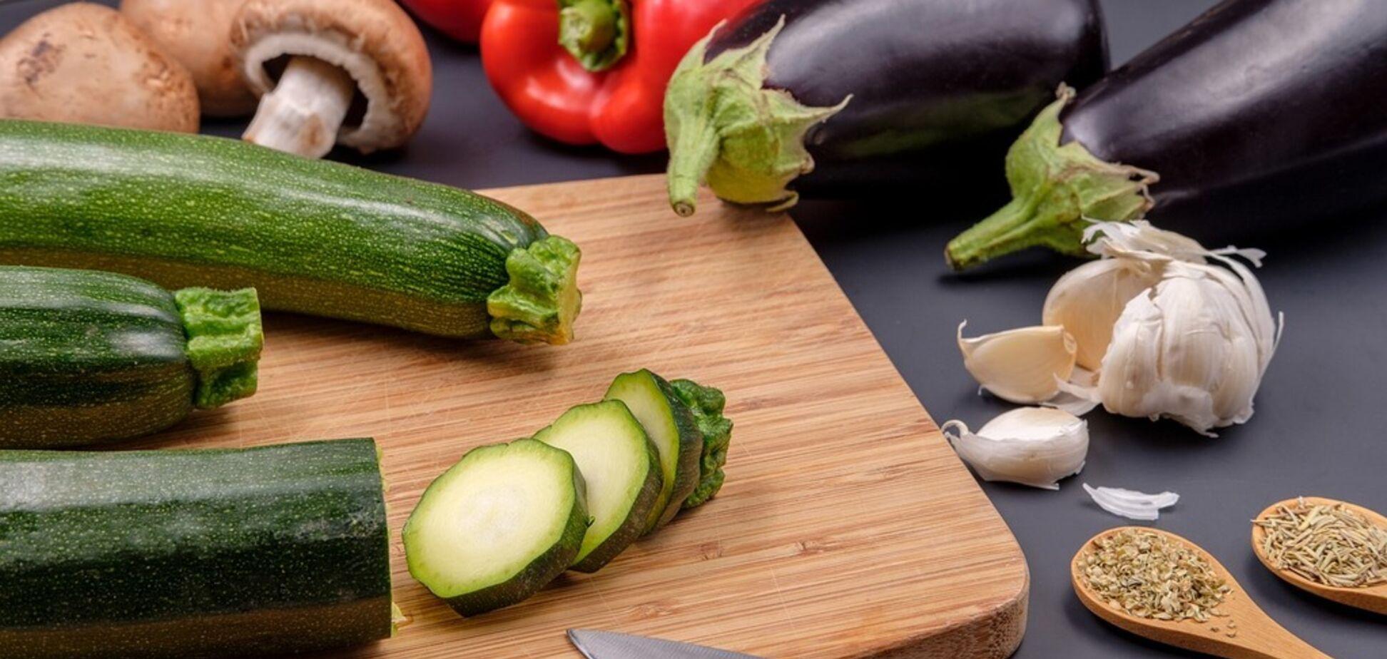 Рецепт приголомшливого рагу з баклажанів з кабачками