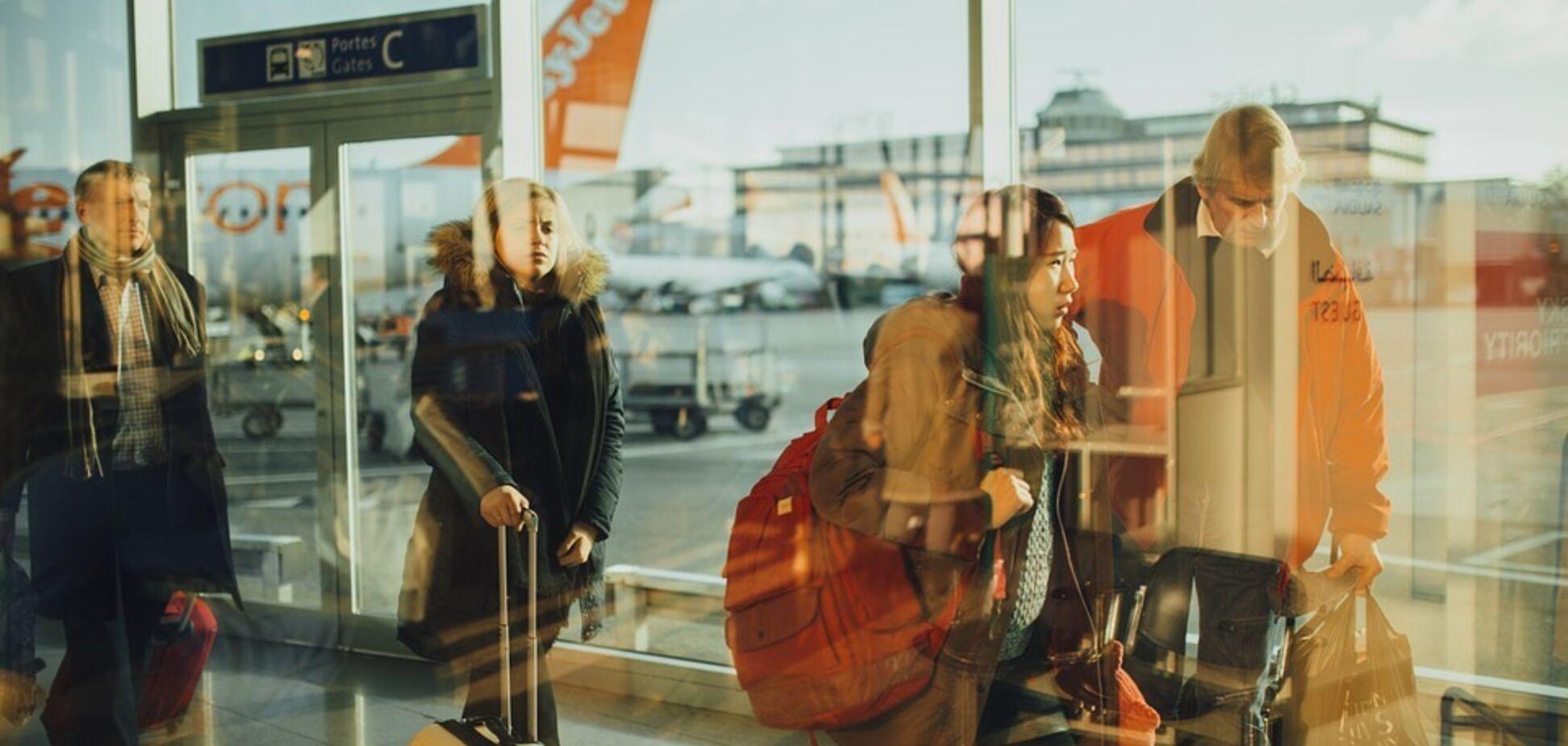 Отменены сотни рейсов: в крупнейшем аэропорту Европы застряли тысячи туристов