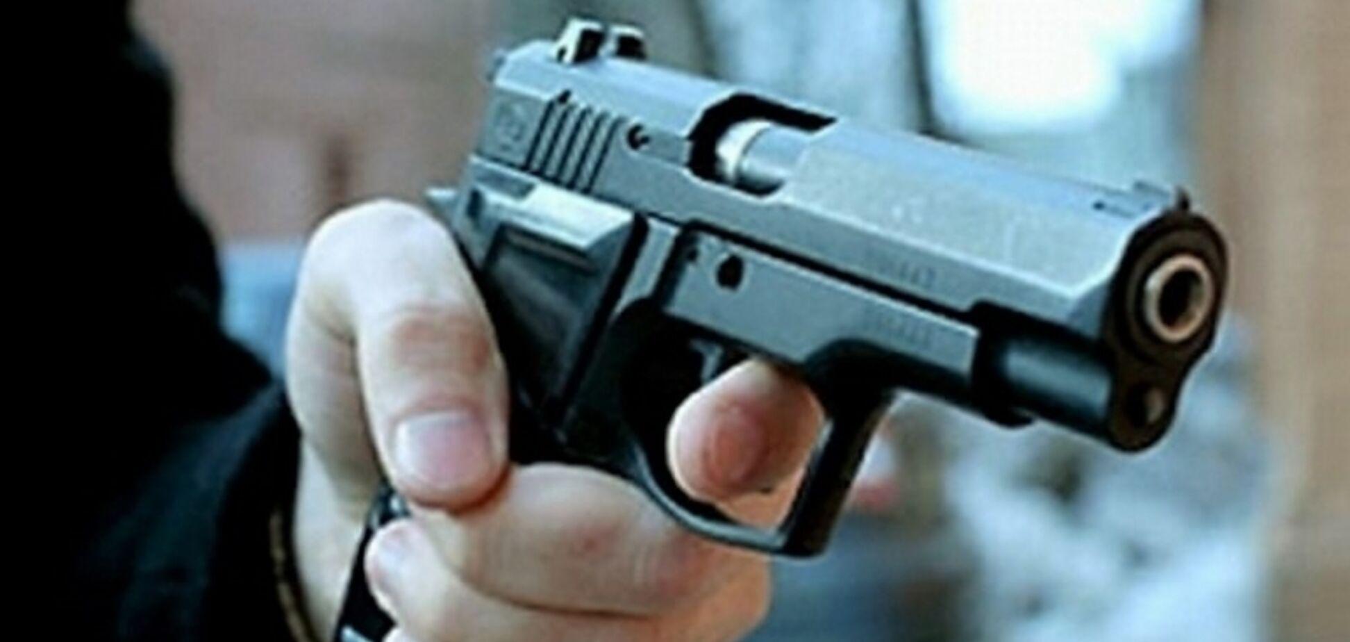 На Житомирщине полиция угодила в скандал со стрельбой: опубликовано видео