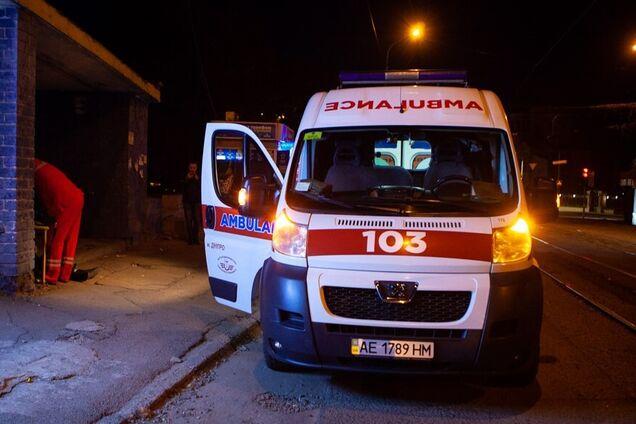 В Днепре на трамвайной остановке умер мужчина