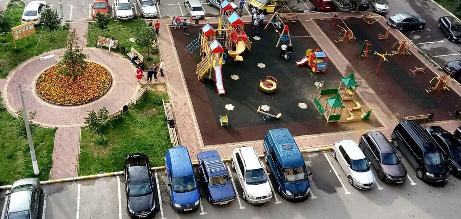 В Подмосковье женщину зарезалина детской площадке