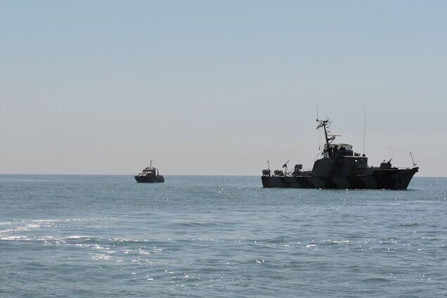 У ООС забили на сполох через кораблі Росії в Азовському морі