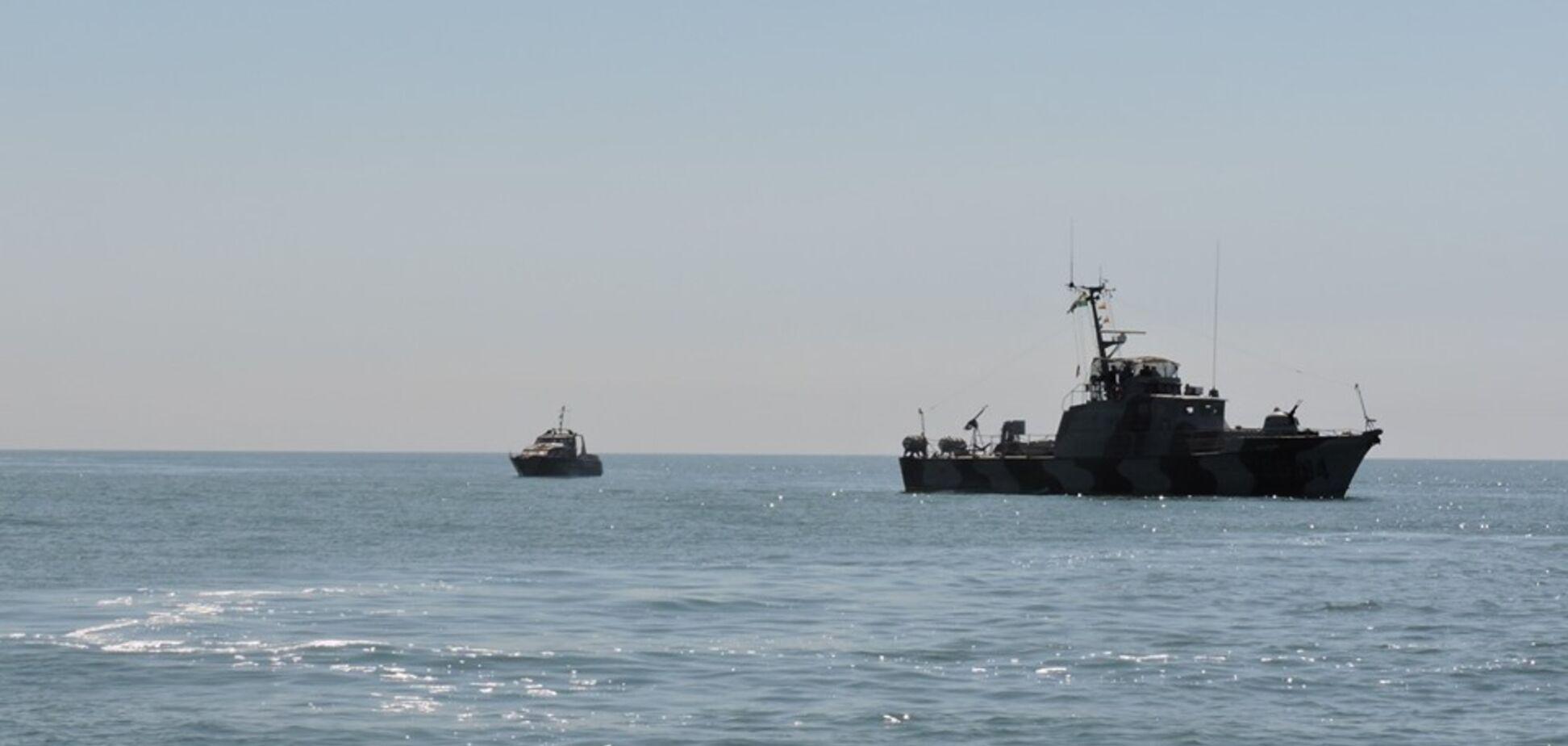Б'ють зеленим променем: в ООС забили на сполох через кораблі Росії в Азовському морі