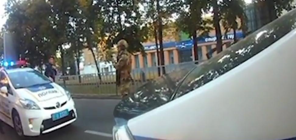 На Днепропетровщине 'повязали' патрульных, остановивших авто начальника ГУНП