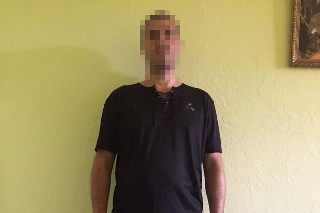 Полиция задержала мужчину, который избил их коллегу