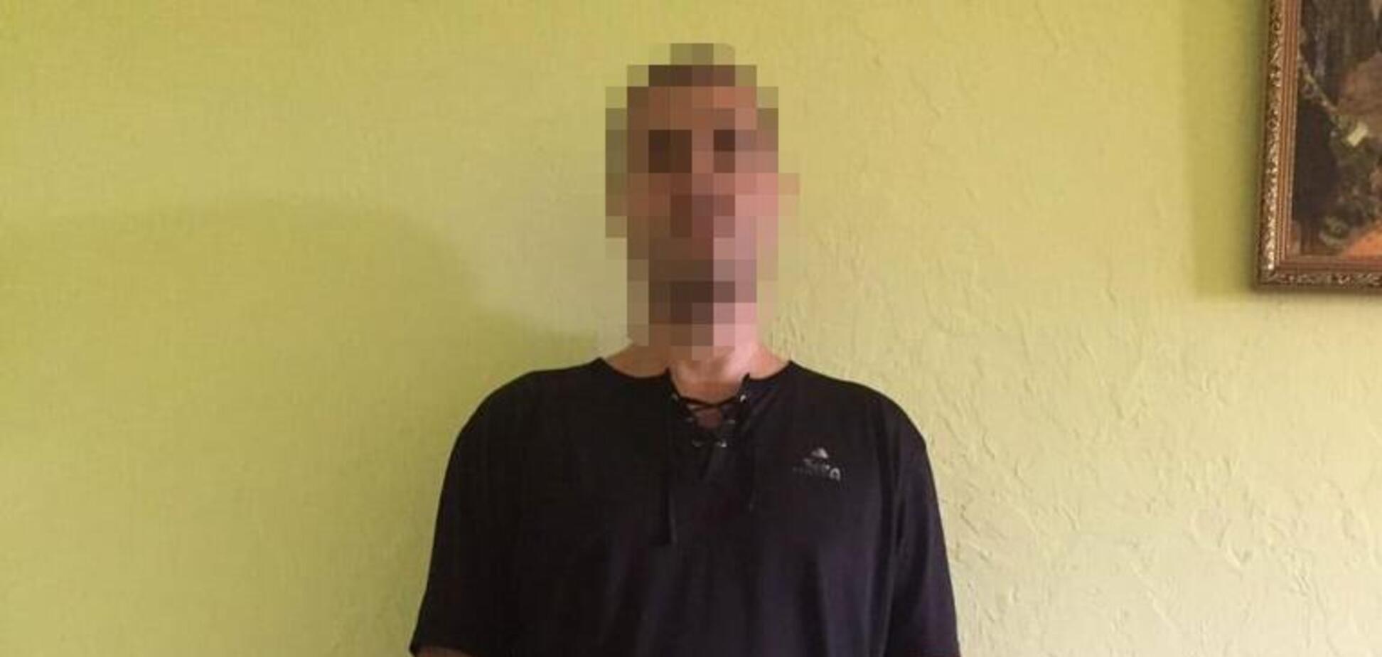 Под Никополем агрессивный мужчина избил полицейского