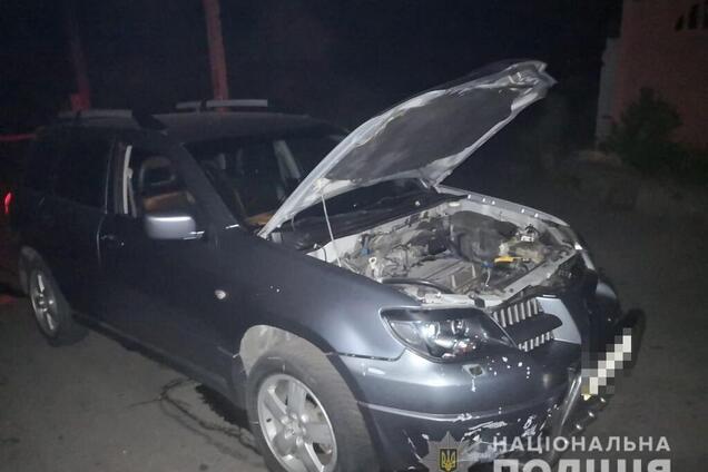 Невідомий кинув гранату в авто бізнесмена