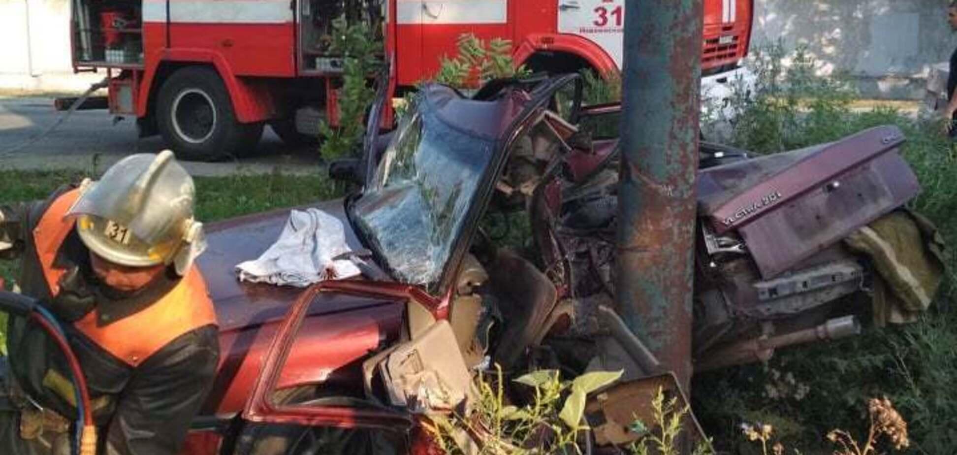 Водія вирізали: в Новомосковську сталося жахливе ДТП. Фото