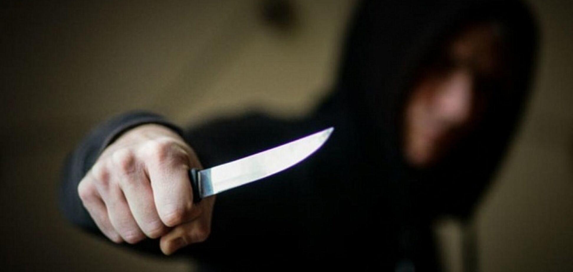 Ножом по шее и телу: на Днепропетровщине рецидивист спьяну чуть не убил друга