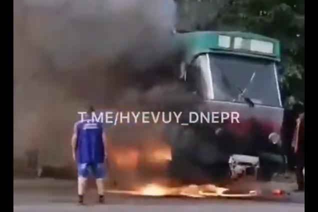 У Дніпрі на ходу загорівся трамвай