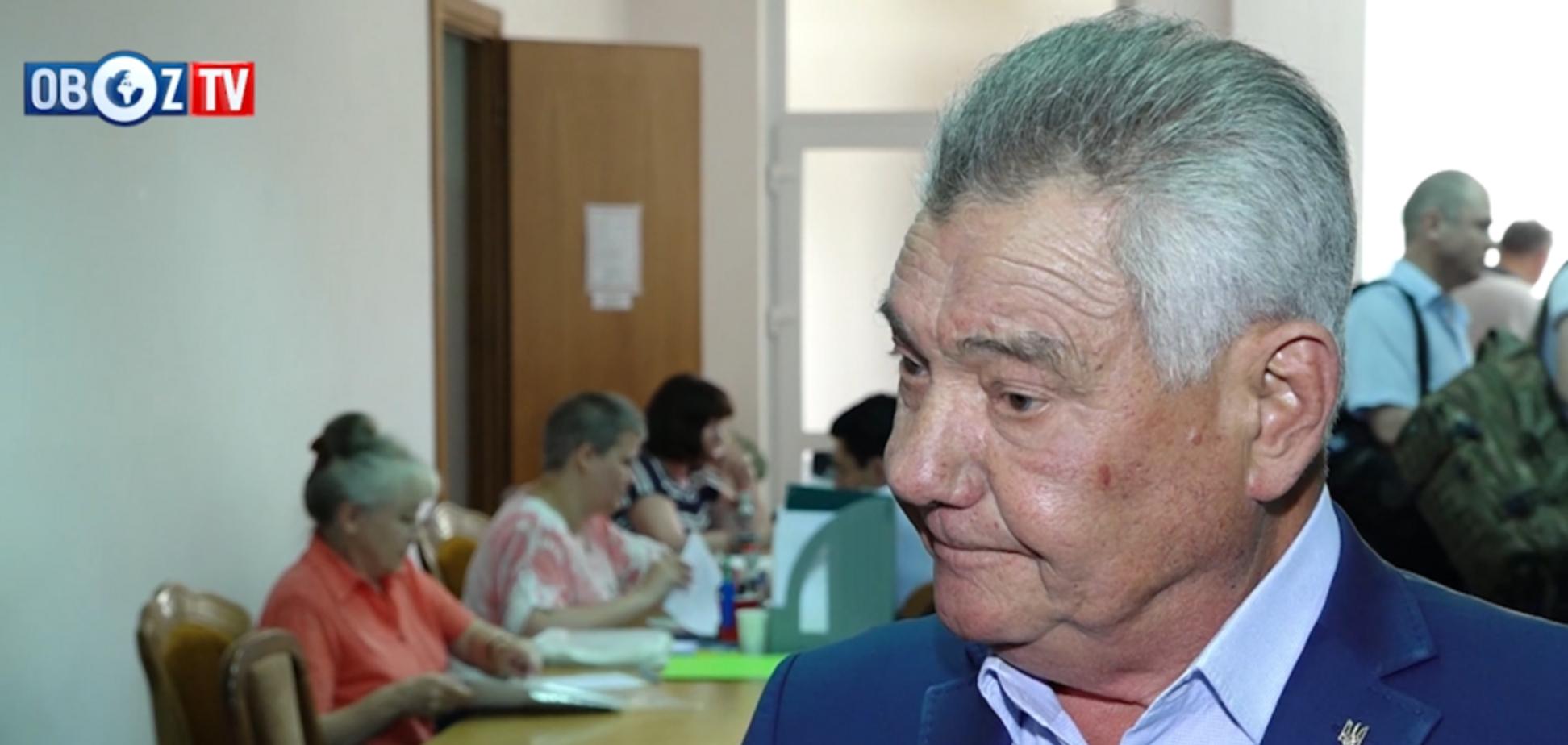 В ЦИК выдают удостоверения кандидатам в народные депутаты