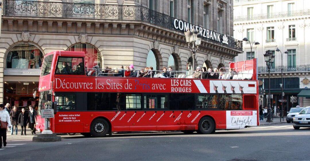 В самом романтичном городе мира избавятся от туристических автобусов