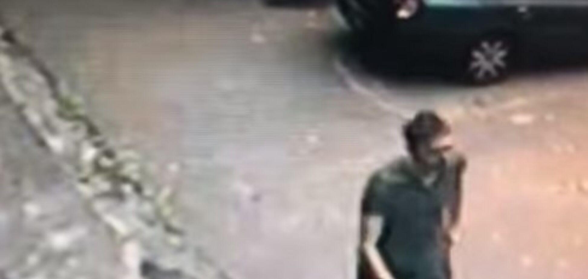 Напал в собственном доме: в Киеве неизвестный пытался изнасиловать девушку